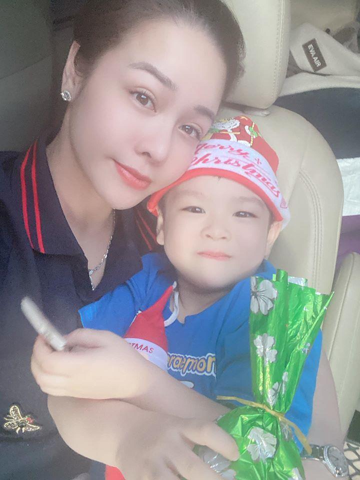 Nhật Kim Anh khoe ảnh bên con trai sau ồn ào tố chồng cũ cấm gặp con