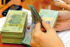 Tet bonus: workers prefer cash