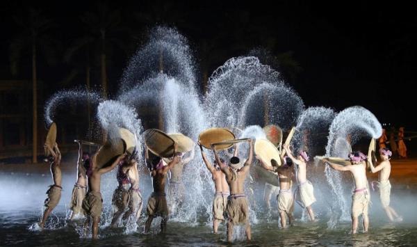 Chương trình nghệ thuật cao cấp - tuyệt chiêu hút khách của du lịch Việt Nam
