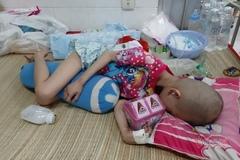 Trao hơn 22 triệu đồng đến em bé 5 tuổi chưa kịp chữa tự kỷ lại mắc bệnh ung thư
