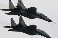 Máy bay chiến đấu MiG-2 của Iran đâm vào núi lửa