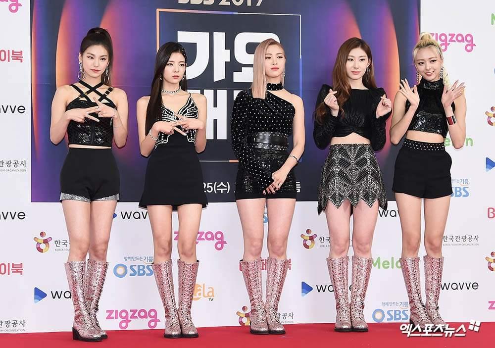 Dàn sao hàng đầu K-Pop hội ngộ dịp Giáng sinh
