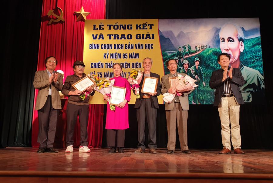 Trao giải kịch bản văn học viết về Chiến thắng Điện Biên Phủ