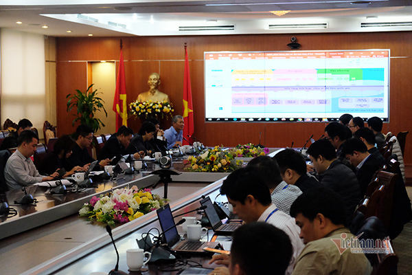 Xây dựng CPĐT phải song song với cải cách hành chính