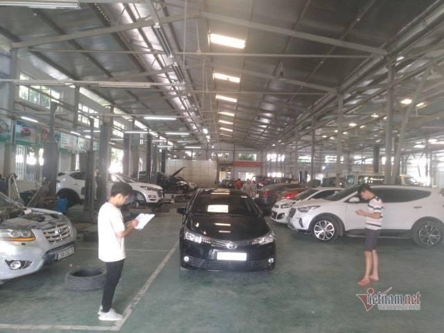 Bảo dưỡng ô tô cuối năm: khách xếp hàng đợi, garage bội thu