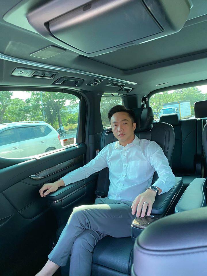 Cường đô la tậu MPV hạng sang Toyota Alphard giá hơn 4 tỷ?