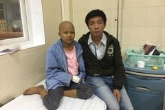 13 năm bị ung thư, cháu bé sống trong cảnh thảm thương