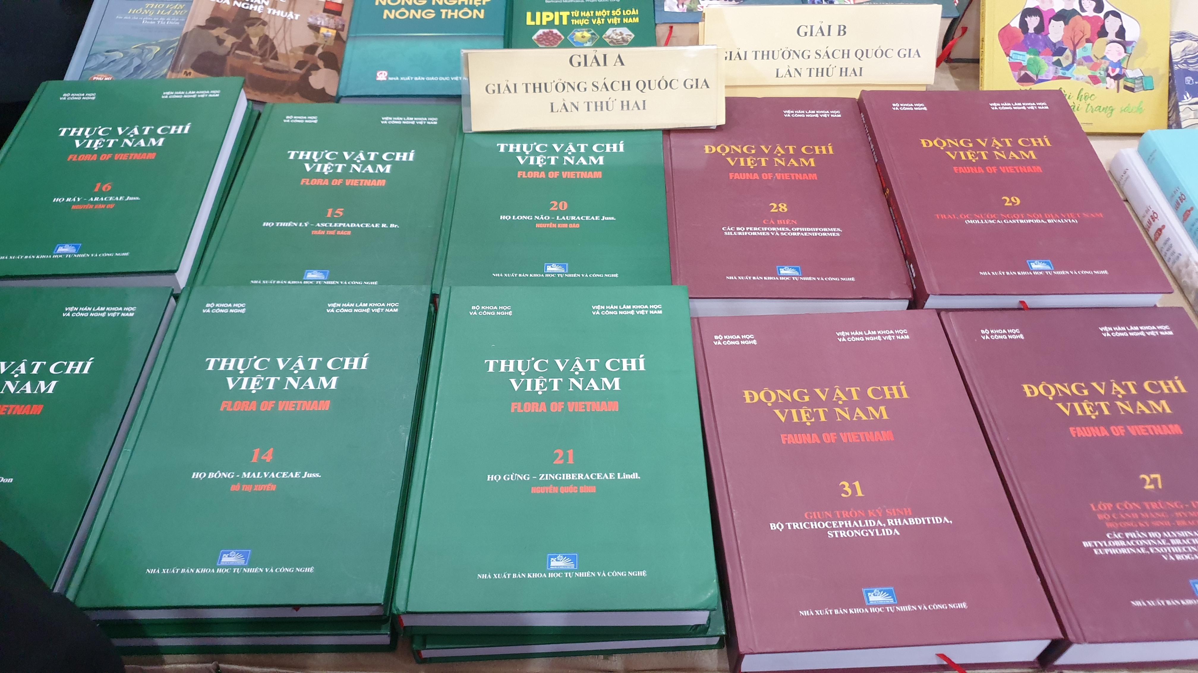 Giải thưởng Sách quốc gia: Giá trị của những cuốn sách đã được nâng tầm