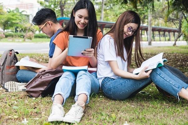 Giới trẻ cần chuẩn bị gì cho những nghề mới lạ trong tương lai?