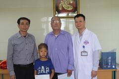 Trao hơn 18 triệu đồng đến em Triệu Qúy Tình mắc bệnh ung thư hạch