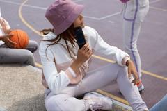 Nokia 2720 Flip - điện thoại nắp gập thông minh