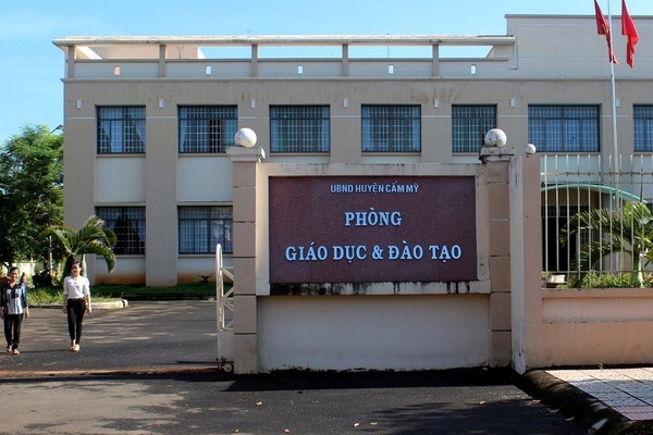 Khởi tố chuyên viên Phòng GD&ĐT huyện chỉnh sửa điểm thi