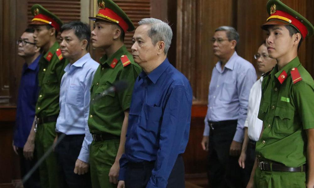 Nguyễn Hữu Tín,Phan Văn Anh Vũ,đất công