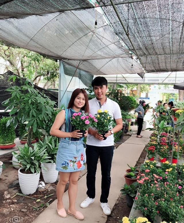 Nữ Thạc sĩ 9X người Tày trồng dâu tây, hoa hồng thu 2 tỷ đồng/năm