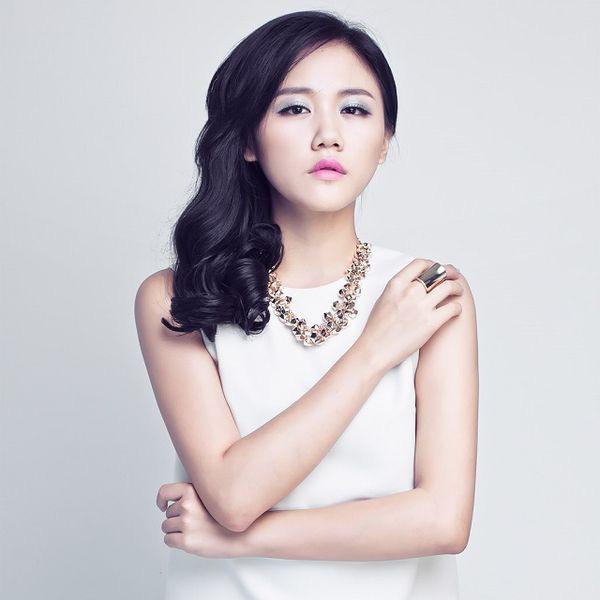 Xôn xao cô gái được cho là giống Văn Mai Hương lộ clip nhạy cảm