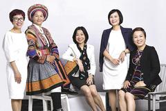 Người phụ nữ H'Mông đưa vải lanh thổ cẩm ra thế giới