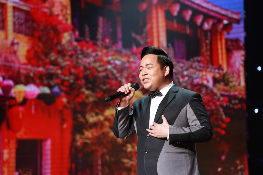 Hoài Linh chê Quang Lê béo, ăn không kiểm soát