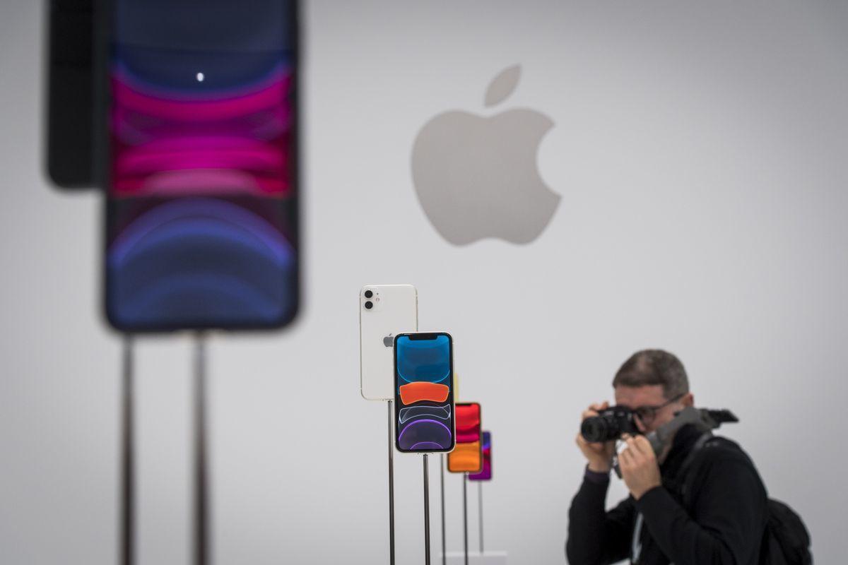 Giá cổ phiếu Apple lập đỉnh kỷ lục nhờ kỳ vọng vào iPhone 5G