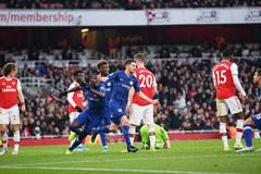 Chelsea ngược dòng ngoạn mục hạ gục Arsenal