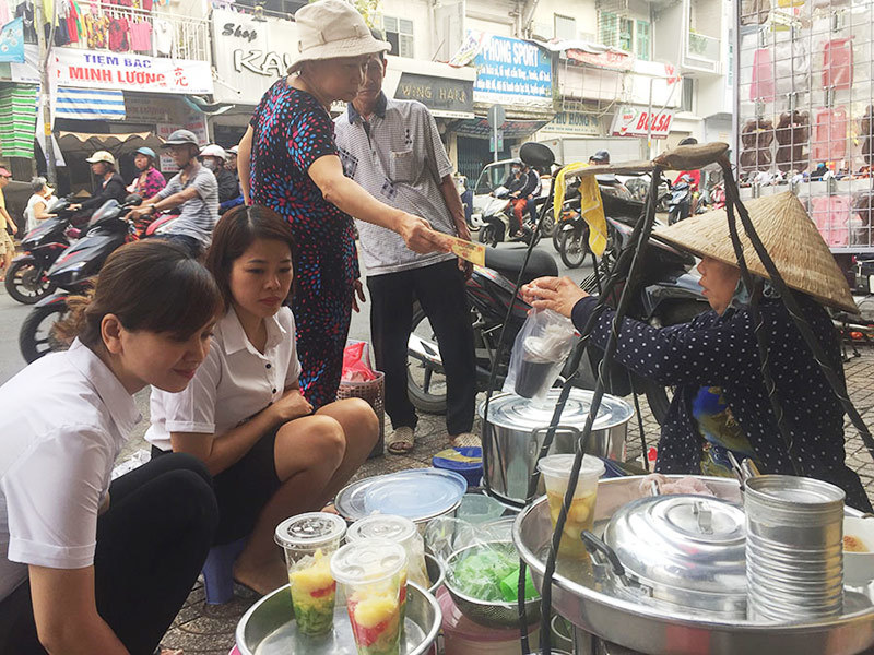Cuộc đời người đàn bà 30 năm gánh tàu hủ đi khắp Sài Gòn