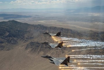 Mỹ đánh bom hàng loạt mục tiêu ở Iraq và Syria