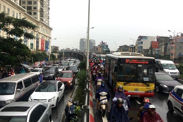 500 students to help traffic police during Tet holiday