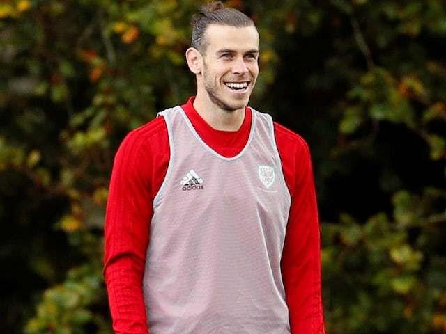 Jadon Sancho mở đường về MU, Bale trở lại Tottenham