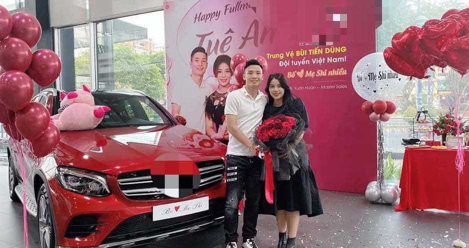 Những ông chồng 'soái ca' tặng vợ siêu xe tiền tỷ trong năm 2019