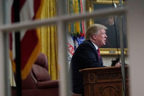 Những mối lo đeo bám ông Trump trong năm 2020