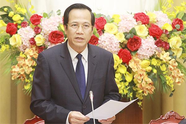 Bộ trưởng Đào Ngọc Dung cảnh báo nguy cơ đánh cắp nhân lực