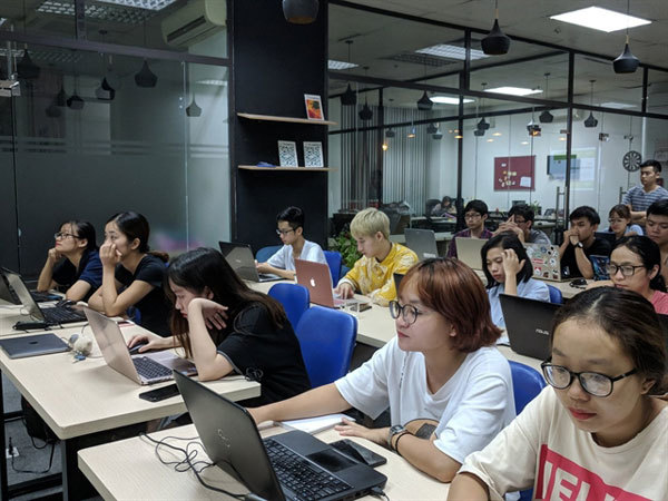 Emerging start-up entrepreneur talks digital transformation in exploiting an old field