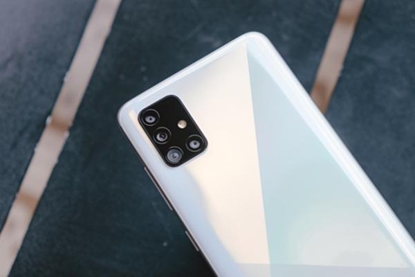Vừa trình làng, Galaxy A51 đã có lượng đặt hàng ấn tượng