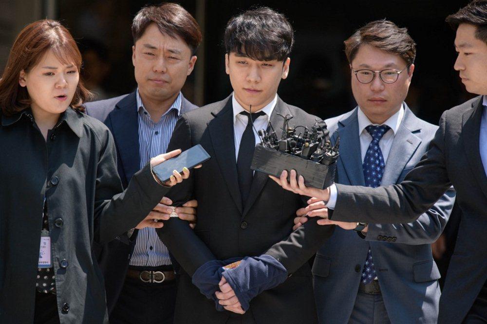Giải trí Hàn 2019 bóng đen ma túy, mại dâm, ly hôn, tự tử bủa vây