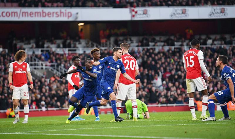Arsenal vs MU: Bẫy phản công, Quỷ đỏ đắc chí
