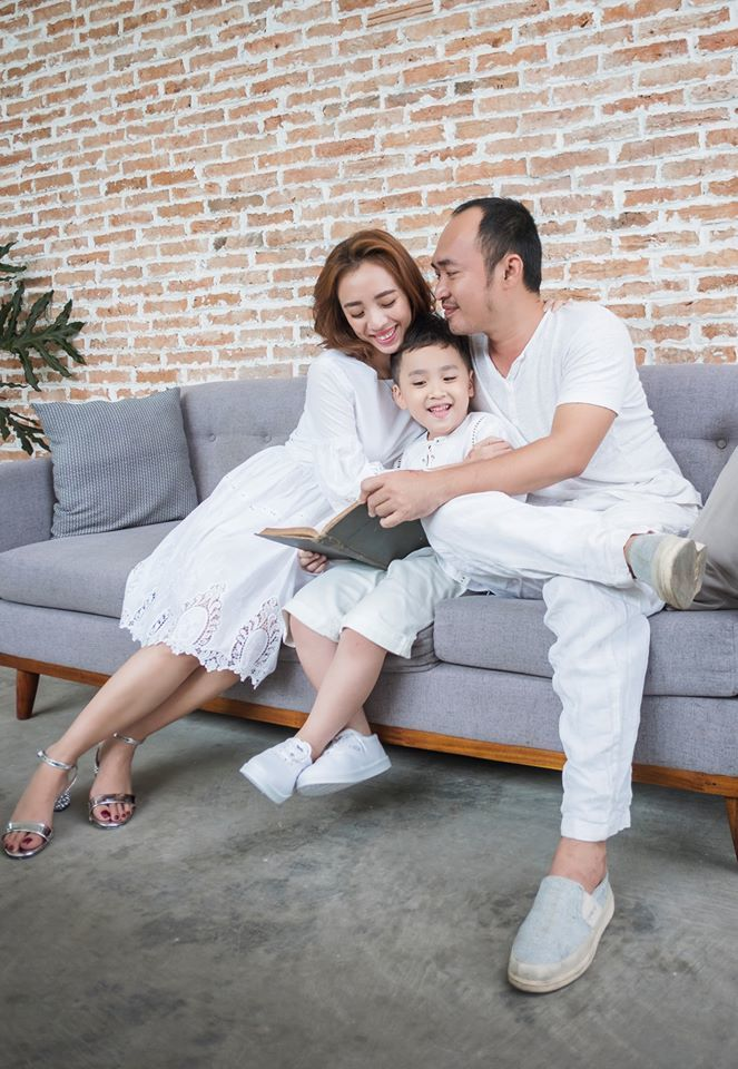Sao Việt đồng loạt khoe ảnh lột xác ngoạn mục trong 10 năm
