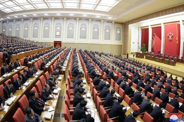 Đầu năm, Kim Jong Un ra thông điệp quyết 'chơi rắn' với Mỹ