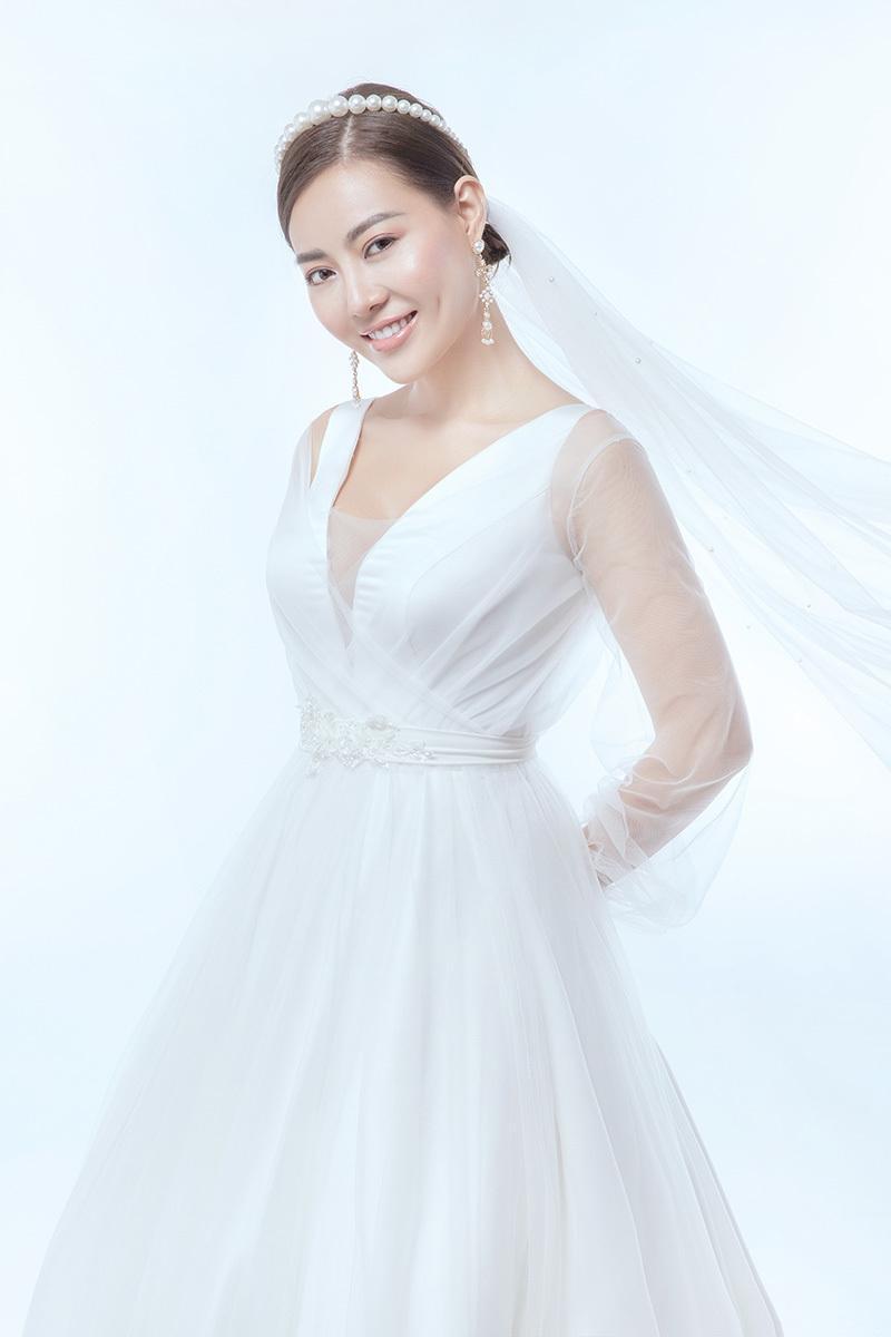 10 năm sau đám cưới, Thanh Hương diện váy cô dâu
