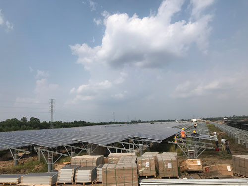 Vietnamese Government indecisive about solar power price, investors cautious