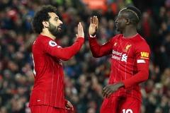 """Salah và Mane """"nổ súng"""", Liverpool vô đối Ngoại hạng Anh"""