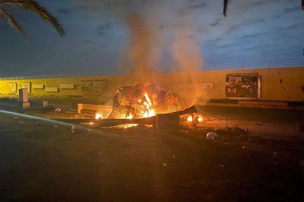 Rocket rơi xuống sân bay quốc tế Baghdad