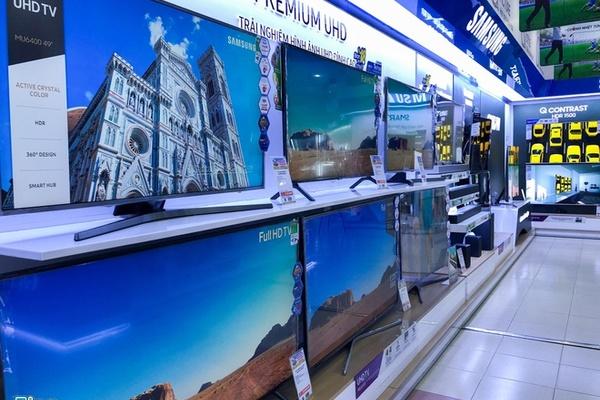 Smart TV giảm giá mạnh cuối năm, sức mua tăng vọt
