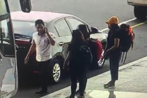 'Cò' taxi lộng hành tại sân bay Nội Bài