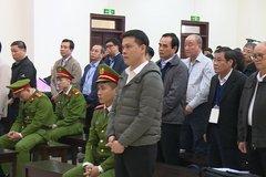 Xét xử Vũ 'nhôm' và 2 cựu Chủ tịch Đà Nẵng: Bị cáo U70 rơi nước mắt