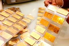 Vàng biến động mạnh, người mua lỗ cả triệu đồng sau một đêm