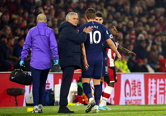 Mourinho choáng váng khi nghe tin dữ Harry Kane