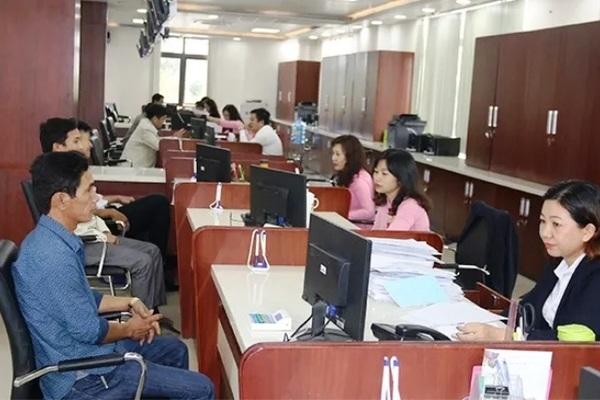 Quảng Nam chấm dứt hợp đồng, 454 cán bộ phải thi tuyển lại