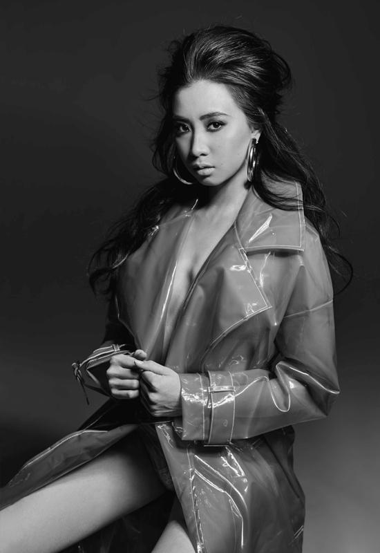 Người mẫu gốc Việt vượt qua 15.000 ứng viên để lên bìa tạp chí Maxim