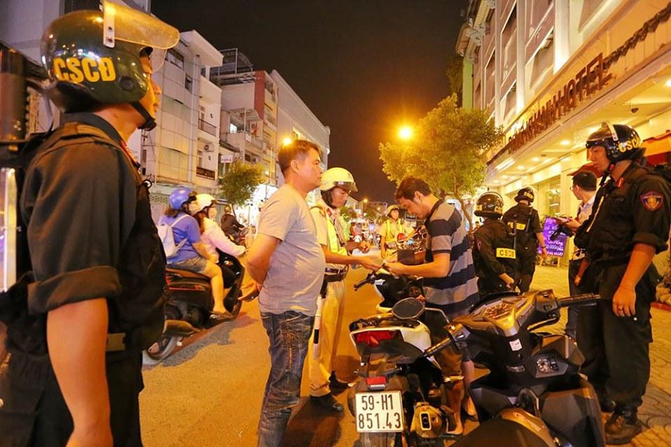 Cảnh sát giao thông,chống người thi hành công vụ,tai nạn chết người