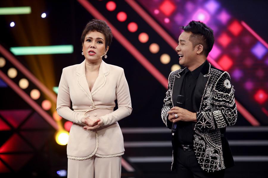 Danh hài Việt Hương khóc kể về thời nghèo khó trên truyền hình