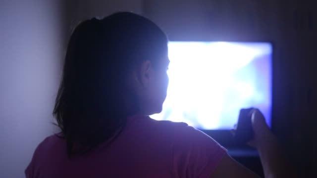 Có nên chọn TV có độ sáng cao?